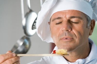 Image credit: <a href='http://www.123rf.com/photo_14942511_mature-satisfied-chef-smell-the-aroma-of-his-food-while-cooking-at-restaurant.html'>rido / 123RF Stock Photo</a>